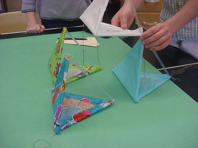 Materials list this should give you a completed four cell tetrahedral kite notice how all covers are facing the same direction maxwellsz